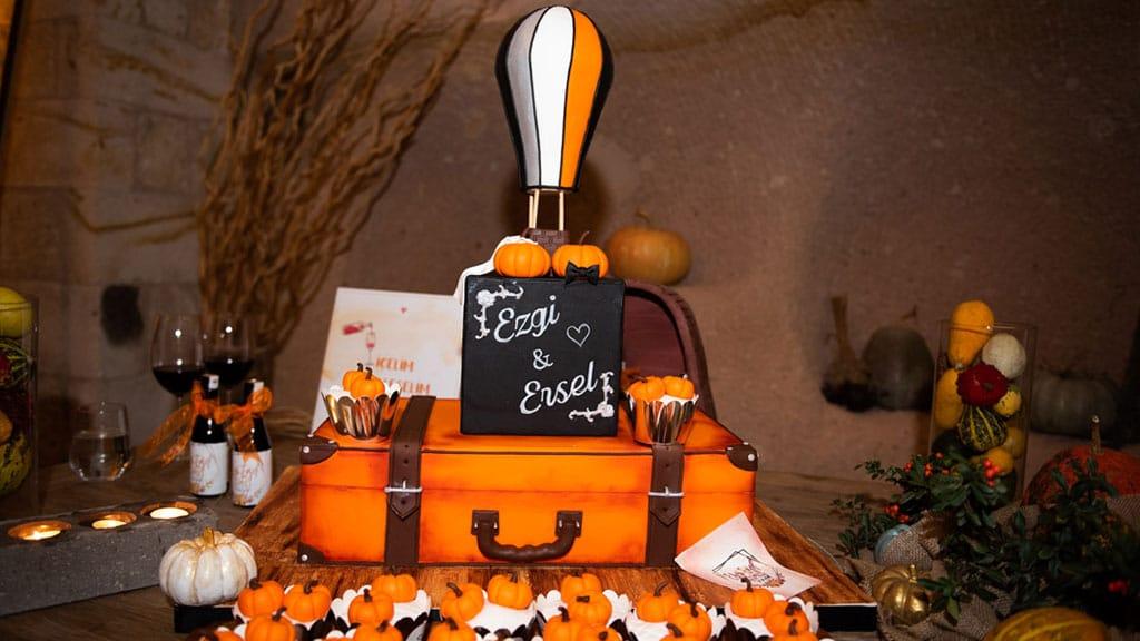 Cappadocia Balloon Wedding Cake